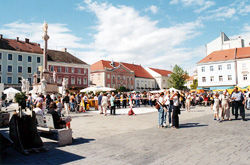 Wiener Neustadt's Main Square. Two hours before the eclipse.